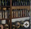 Flaschen aus Steinzeug und Glas, aus einem Schiff des 19. Jahrhunderts, gefunden vor Mosambik