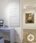 Raum im Erdgeschoss, Empfang der Besucher und Blick in die Ausstellung