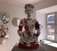 Erdbeerkönigin als Mosaikfigur